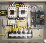 モータ用制御盤4台